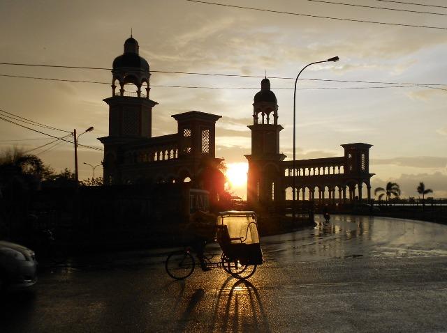 Sunset di Pintu Gerbang Tanjung Bunga Makassar